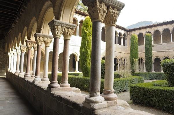 Visite du monastère de Ripoll en Catalogne